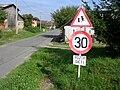 Příčovy, dopravní značka Pozor děti.jpg