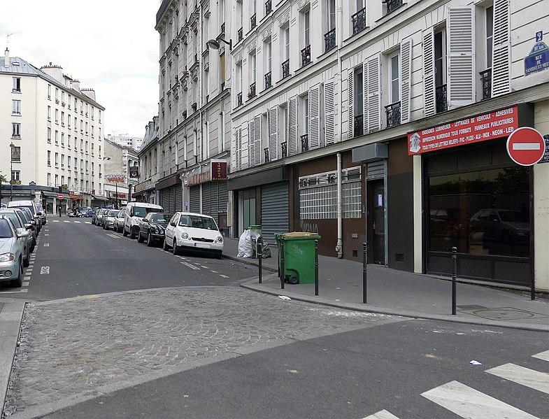 Fichier:P1170808 Paris X rue Sambre-et-Meuse rwk.jpg