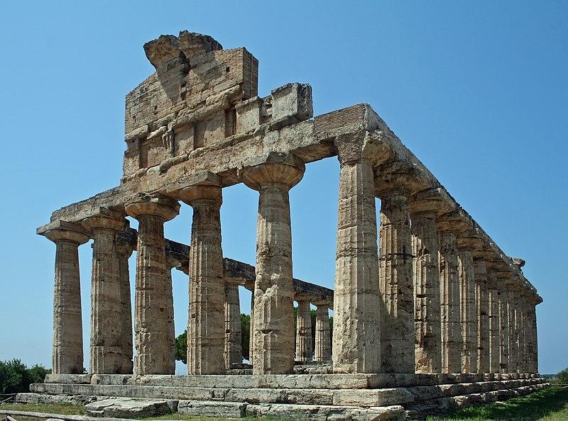 Soubor:Paestum Temple of Athene.JPG