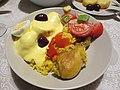 Papa huancaina arroz pollo.jpg
