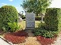 Paray-Douaville-FR-78-monument aux morts-01.jpg