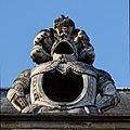 Paris - Les Invalides - Façade nord - Lucarne - PA00088714 - 005.jpg