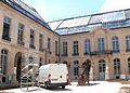 Paris - hôtel de Chimay - Courtyard 05.JPG