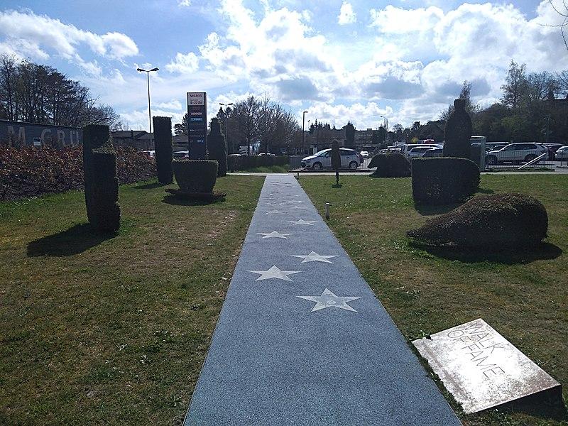 File:Park im Grüene Walk of Fame Migros Eigenmarken.jpg
