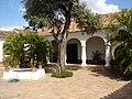 Patio Casa de las Ventanas de Hierro.jpg