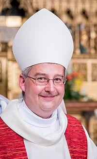 Pavel Konzbul, biskupské svěcení 07 - výřez.jpg