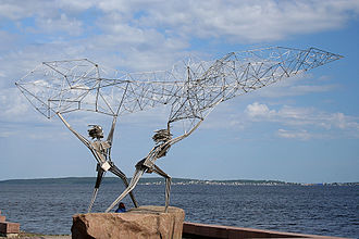 Petrozavodsk - Statue of fishermen on the Onega embankment