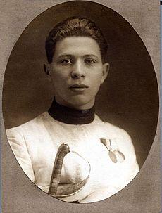 לזכרם של הספורטאים היהודים שנרצחו בשואה- אטילה פטשאואר הסייף שנרצח על ידי חברו לאולימפיאדה