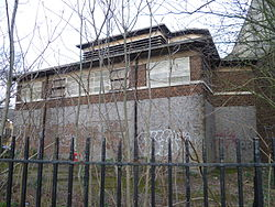 Piccadilly line building Nightingale Road, Bounds Green 05.JPG