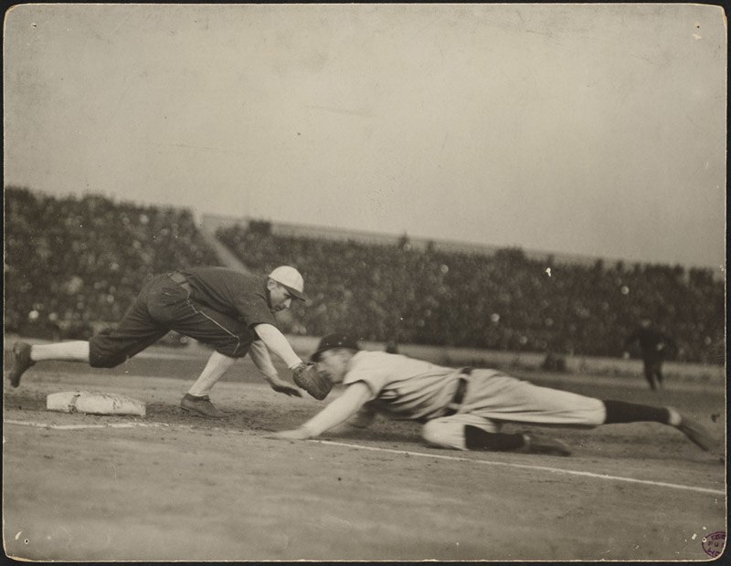 Pick-off attempt at first, 1906 World Series