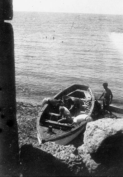 שייטת 13 - מכינים את הסירה לפעולה
