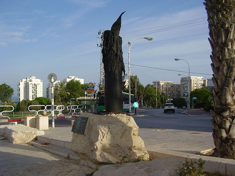 אנדרטת הנר באשדוד