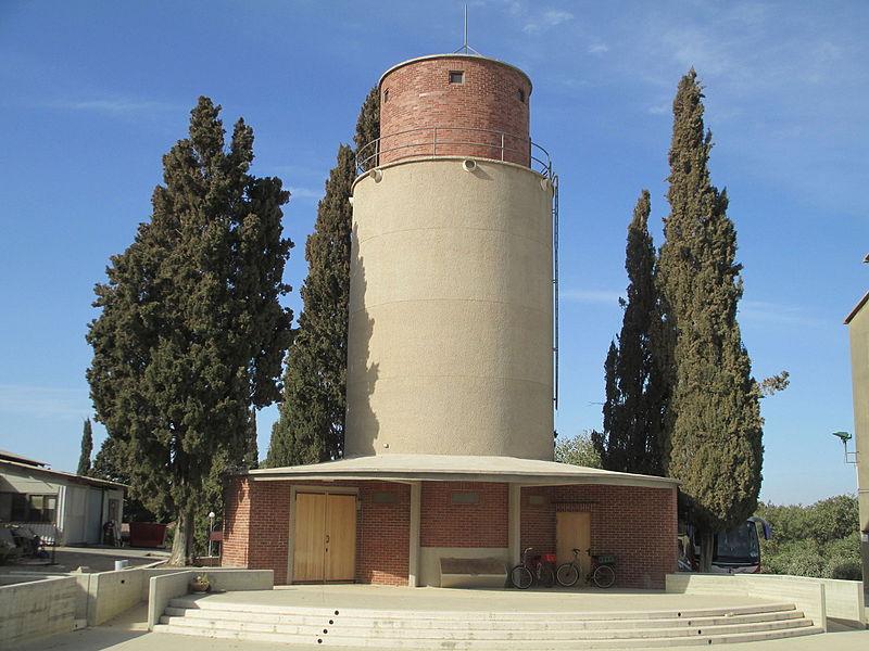 מגדל סילו הישן בעין השופט