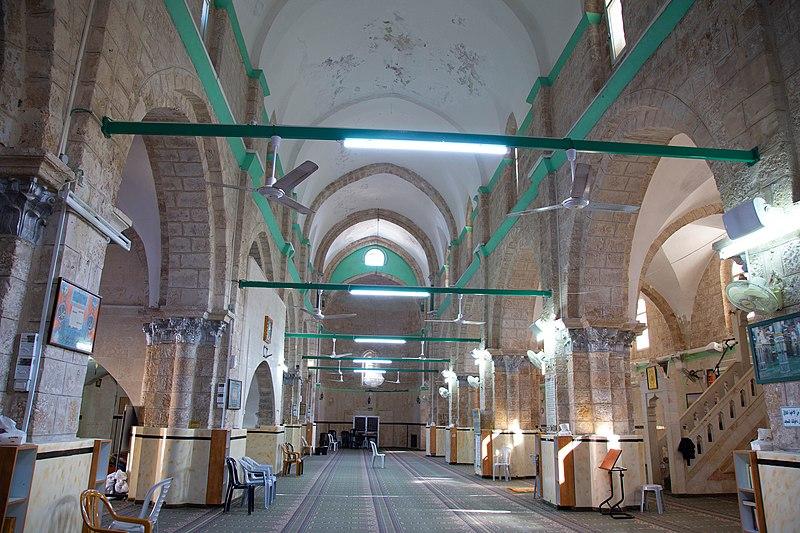 המסגד הגדול ברמלה - פנים המבנה