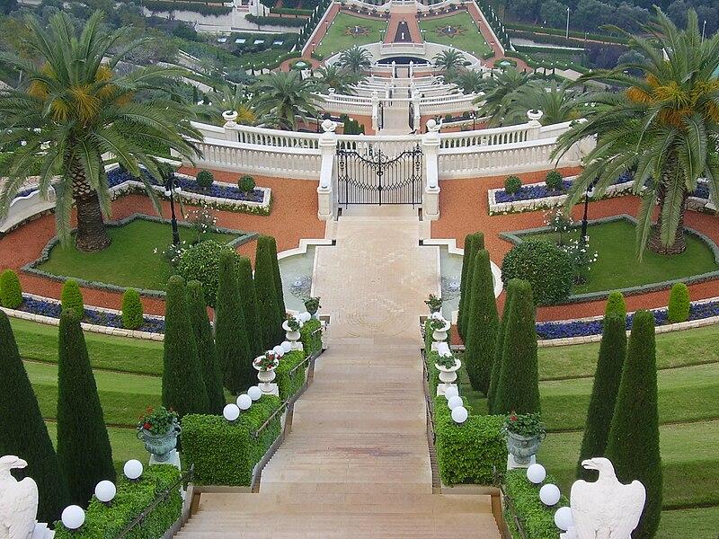 حيفا عروس البحر 800px-PikiWiki_Israel_6763_upper_bahai_gardens.jpg