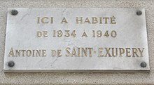 220px-Plaque_Saint-Exup%C3%A9ry%2C_15_place_Vauban%2C_Paris_7