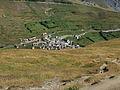 Plateau d'emparis (2164 m.) Zicht op Le Chazelet (1800 m.) 01.JPG