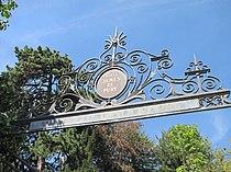 Portail de la villa James de Pury.jpg
