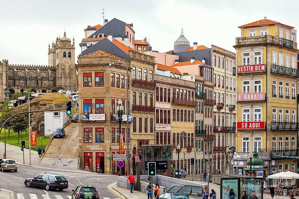 Porto, Praça de Almeida Garrett (10)