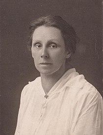 Portrait of Henriëtte Roland Holst before 1918.jpg