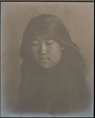 Portrait of Japanese-Hawaiian girl 1909.jpg