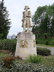 A statue of Napoléon I at the Col des Écharmeaux