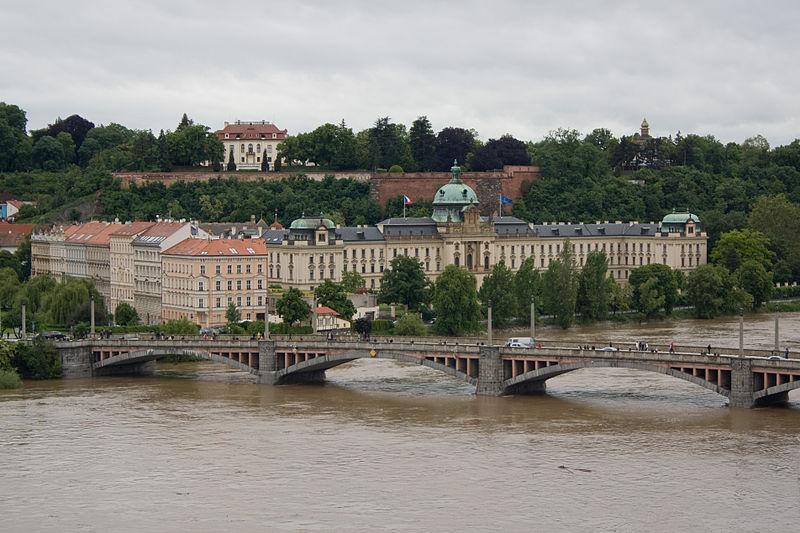 File:Povodně v Praze, 30.jpg