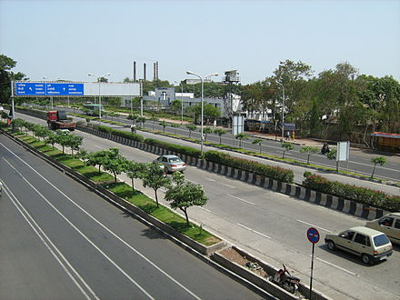 A highway leading into Pune Pune Highway.jpg