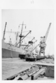 Queensland State Archives 4734 Electric crane BHP Wharf c 1952.png