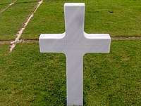 Quentin Roosevelt headstone.jpg