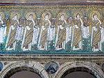 Ravenna, sant'apollinare nuovo, int., sante vergini offerenti, epoca del vescovo agnello, 05.JPG