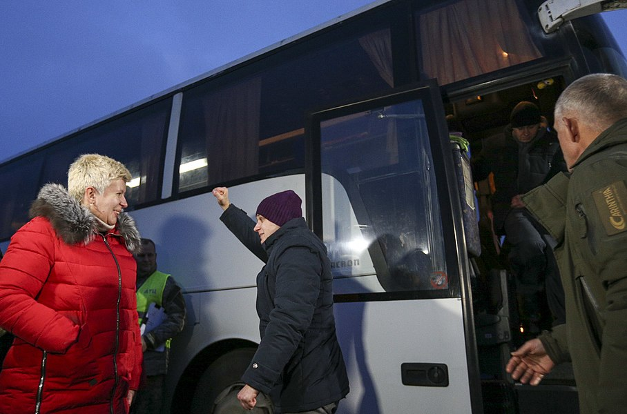 Return of liberated citizens to the territory controlled by Ukraine (2019-12-29) 057.jpg