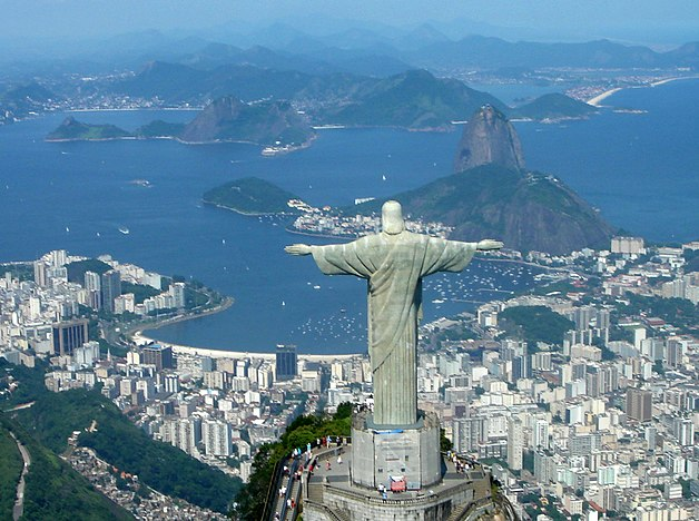 Guanabara Bay with the statue of Christ the Redemeer at the foreground Rio de Janeiro Helicoptero 49 Feb 2006 zoom.jpg