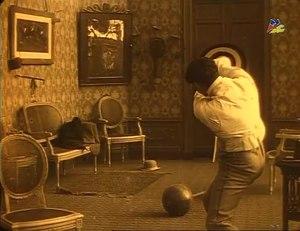 File:Robinet chauffeur myope (1914).webm