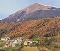 Rocche Case d'Angelo con Montagna dei Fiori.jpg