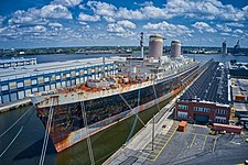 SS United States HDR off Bow.jpg
