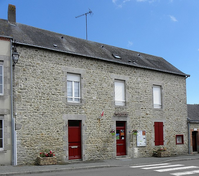 Mairie de Saint-Ouen-des-Vallons (53).