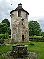 Saint-Pardoux-les-Cards château Villemonteix tour (1).jpg