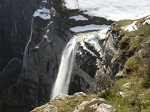 Nervión - Delika canyon and waterfall from Burgos side.
