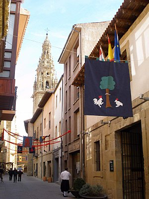 Santo Domingo de la Calzada - Calle Mayor.jpg