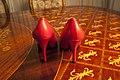 Sapato-vermelho-gianni-versace-4 (24845731621).jpg