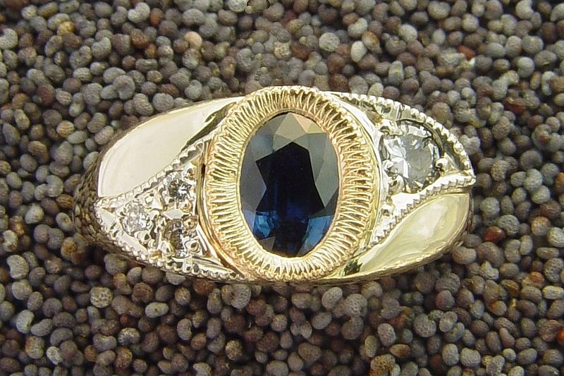 File:Sapphire ring photo by Mark Somma (2).jpg