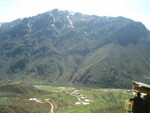 The mountainous Shemsdin district, created after the 1552 schism in the Church of the East, was the second most important ecclesiastical province of the Qudshanis patriarchate. Semdinli Hakkari.jpg