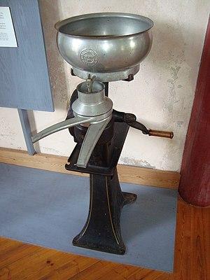 Separator (milk) - Manual separator in a Swedish museum.