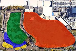 Shark Bay (Sea World) - The layout of Shark Bay. Key: Red = Shark Lagoon; Green = Reef Lagoon; Blue = Inter-Tidal Zone; Yellow = Touch Pools
