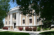 Sherman County Courthouse (Nebraska) from SE 2.JPG