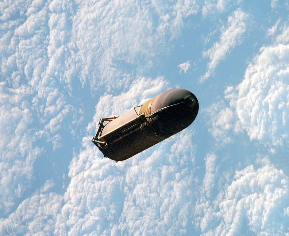 space shuttle white fuel tank - photo #20