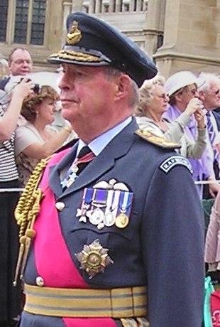 Sir Richard Johns (cropped)
