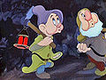 Snow white 1937 trailer screenshot (5)-R.jpg