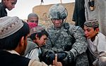 Soldiers practice Pashto, protect the people DVIDS392921.jpg